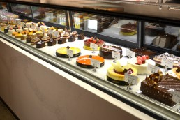 Noisette Bentleigh Cake Display